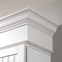 Aristokraft crown moulding in white