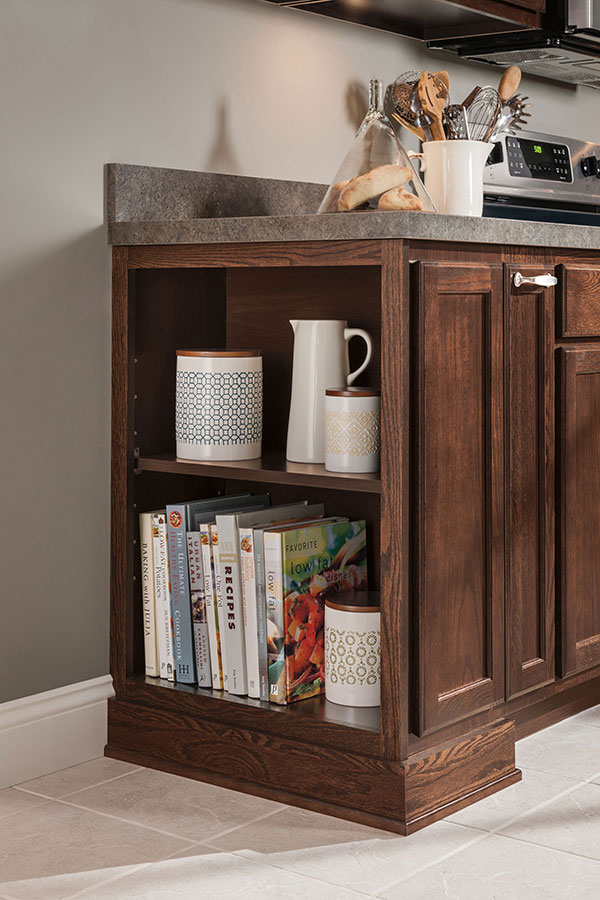 Oak Kitchen Cabinets - Aristokraft Cabinetry