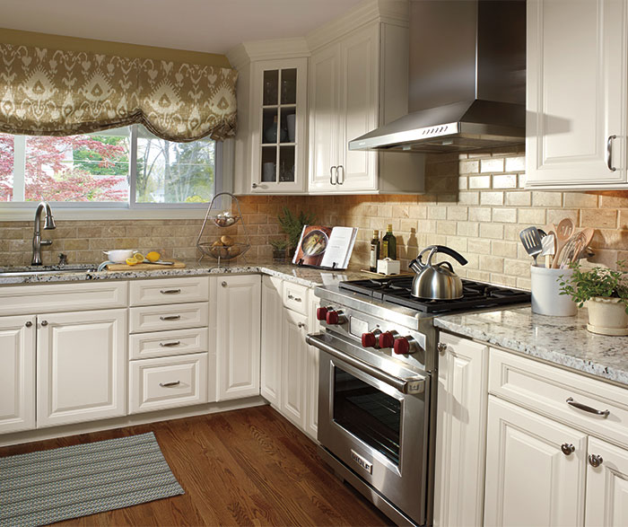 Ivory Cabinets in a Traditional Kitchen