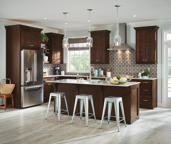 Casual Maple Kitchen Cabinets