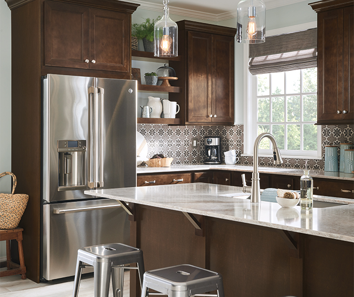 Casual Maple Kitchen Cabinets - Aristokraft Cabinetry