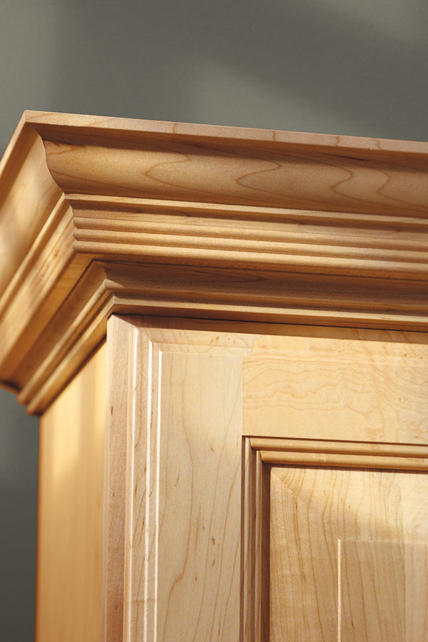 Americana crown moulding aristokraft cabinetry for Decorative millwork accents